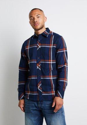 STALT REGULAR PATCH - Overhemd - furdan stretch flannel check - cinnamon orange william check