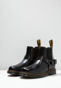 Dr. Martens - WINCOX CHELSEA BOOT - Kotníkové boty - black smooth - 2