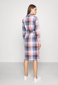 Barbour - TERN CHECK DRESS - Sukienka koszulowa - oyster pink - 2