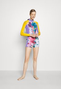 Sweaty Betty - SURF SHORT WETSUIT - Wetsuit - pink/coral - 1