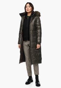 s.Oliver - MIT LOGO-GÜRTEL - Winter coat - khaki - 1