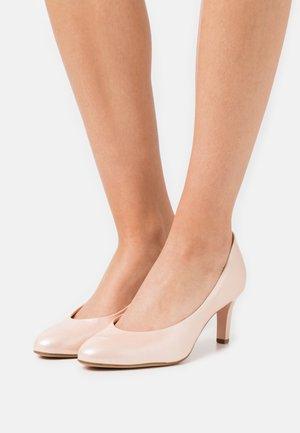 STARLIGHT - Classic heels - salmon