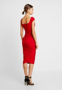 Missguided - V PLUNGE BARDOT RUCHED MIDI DRESS - Jerseykjole - red - 3