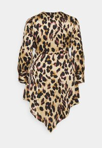 Missguided Plus - ANIMAL PRINT WRAP FRONT DRESS - Day dress - sand - 1