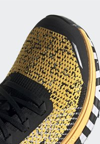 adidas Performance - TERREX TWO TRAIL RUNNING - Løbesko trail - gold - 6