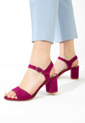 Sandales à talons hauts - purple