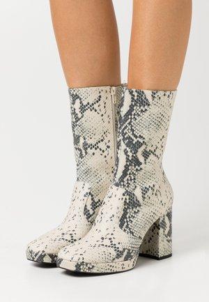 ELLEN BOOT VEGAN - High heeled ankle boots - beige