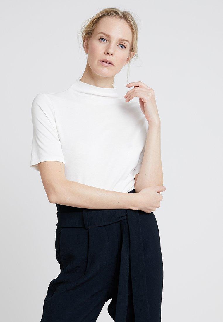 Rich & Royal - FUNNEL NECK - T-shirts basic - white
