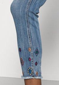 Desigual - MIA - Skinny džíny - blue - 4