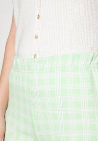 Résumé - ESTHI PANTS - Trousers - pastel green - 4