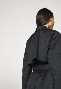 Nike Sportswear - Trenchcoat - black/iron grey - 3