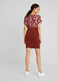 Kaffe - PENNY SKIRT - Pencil skirt - cherry mahogany - 2
