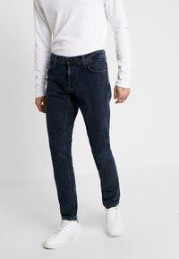 Nudie Jeans - TIGHT TERRY - Džíny Slim Fit - black ocean - 0