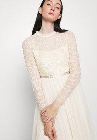 Needle & Thread - TEMPEST BODICE BALLERINA DRESS - Koktejlové šaty/ šaty na párty - champagne - 3