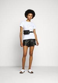 KARL LAGERFELD - PROFILE RHINESTONE TEE - T-shirt imprimé - white - 1