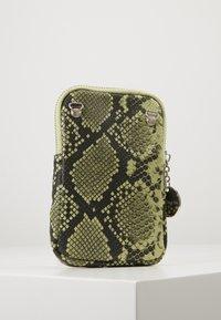 Tamaris - ANDREA - Mobiltasker - green - 3