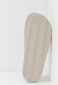 LEMON JELLY - SHEA - Sandales de bain - transparent gold/glitter - 6