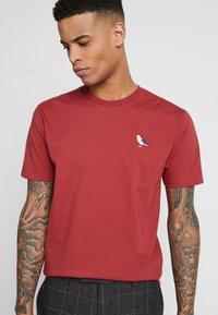 Cleptomanicx - EMBRO GULL - T-shirt basic - rosewood - 0