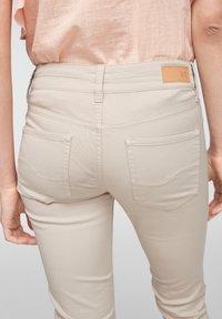 QS by s.Oliver - Denim shorts - beige - 3