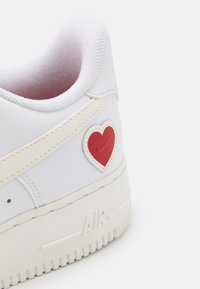 Nike Sportswear - AIR FORCE 1  - Sneakers - white/sail/university red - 5