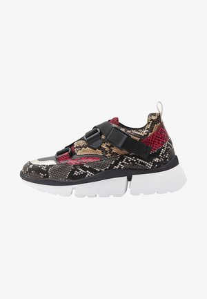 ROJA - Trainers - red/brown