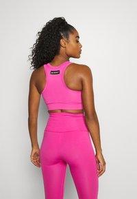 adidas Performance - DESIGNED4TRAINING FORMOTION COMPRESSION - Medium support sports bra - screaming pink - 2