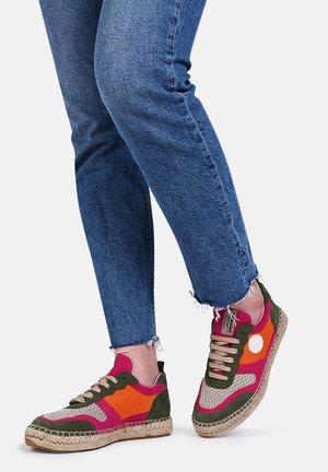 MARCIA - SNEAKER - Sneaker low - orange