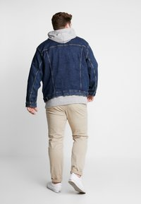 Levi's® Plus - BIG TRUCKER - Veste en jean - colusa - 2
