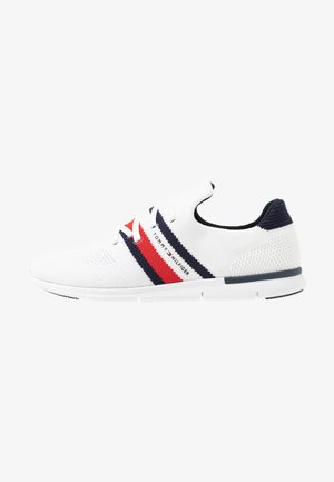 SPORTY LIGHTWEIGHT  - Sneakersy niskie - white