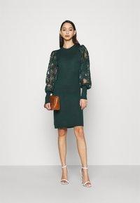 ONLY - ONLFLORA DRESS  - Robe pull - ponderosa pine - 1