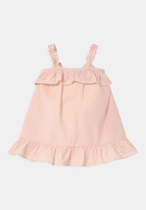 SEERSUCKER - Day dress - pure pink
