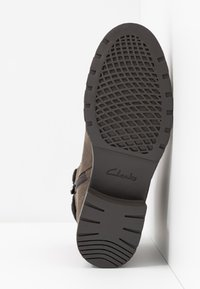 Clarks - ORINOCO DUSK - Lace-up ankle boots - dark grey - 6