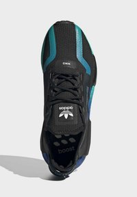 adidas Originals - NMD_R1 V2 SHOES - Sneakers basse - black - 2