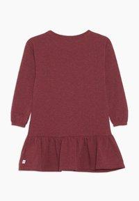 Ebbe - ISADORA DRESS - Žerzejové šaty - cherry red melange - 1