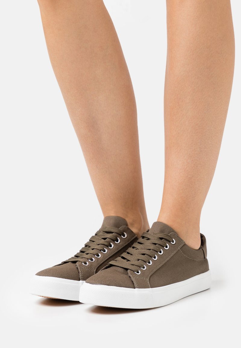 Simply Be - WIDE FIT BUSSELTON - Trainers - khaki
