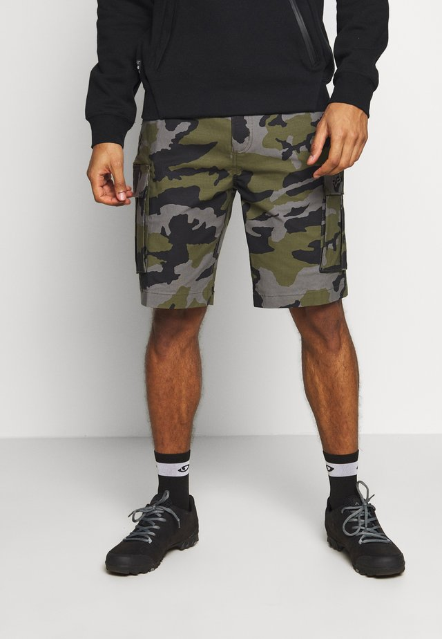 SLAMBOZO CAMO SHORT - Sports shorts - green