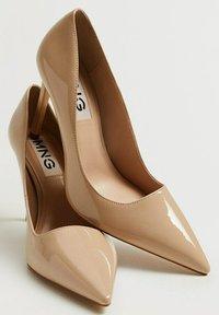 Mango - MANU - Classic heels - beige - 4