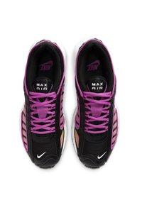 Nike Sportswear - AIR MAX TAILWIND - Sneakersy niskie - black/fire pink/dynamic yellow/white - 1