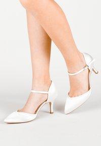 Paradox London Pink - Classic heels - white - 0