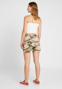 TWINTIP - Shorts - dark green - 2