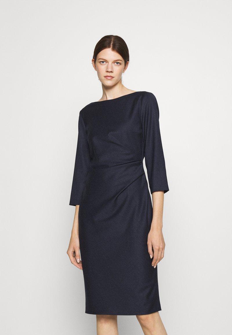 WEEKEND MaxMara - BURGOS - Pouzdrové šaty - night blue
