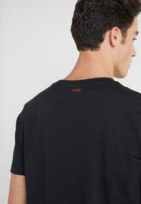 HUGO - DUPPY - Print T-shirt - black - 3