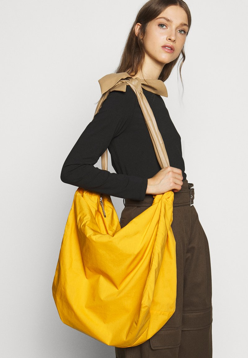 MAX&Co. - CHUTE - Tote bag - orange