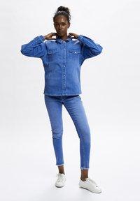 Denim Hunter - Button-down blouse - light blue/ blue wash - 1