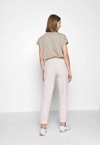 ONLY - ONLNELLA PANTS - Tracksuit bottoms - pumice stone - 2