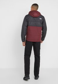 The North Face - INSULATED FANORAK - Outdoorjas - black/deep garnet red - 2
