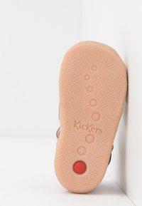 Kickers - BIGFLY - Zapatos de bebé - rose - 4