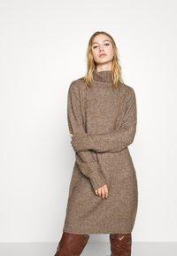 Even&Odd - Strikket kjole - brown - 0