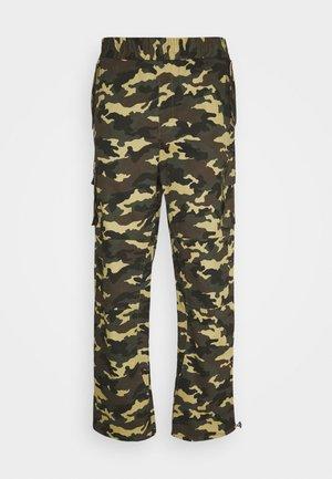 WOODLAND UTILITY TROUSER - Pantalones cargo - khaki