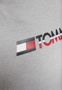 Tommy Hilfiger - CREW NECK - Sweater - grey - 5